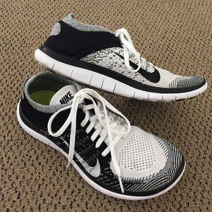 Nike Free 4.0 Flyknit Oreo Women's Size 8.5
